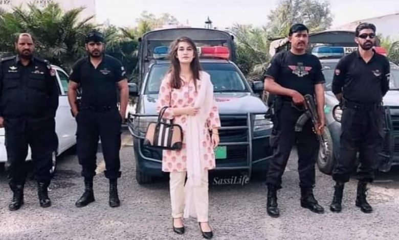 maryam-nawaz-reacts-angrily-to-the-assistant-commissioner
